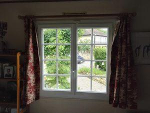 Pose de fenêtres à croisillons