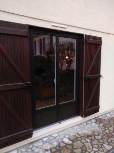 Pose de fenêtres en bois